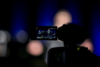 zbliżenie na kamerę